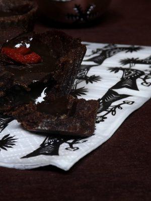 Cioccoliamoci (con delle tartellette al cioccolato e caramello salato gluten-free)