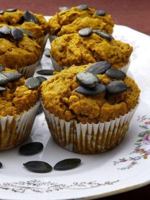 Bestest wishes – Muffin salati alla zucca con ripieno di formaggio vegan