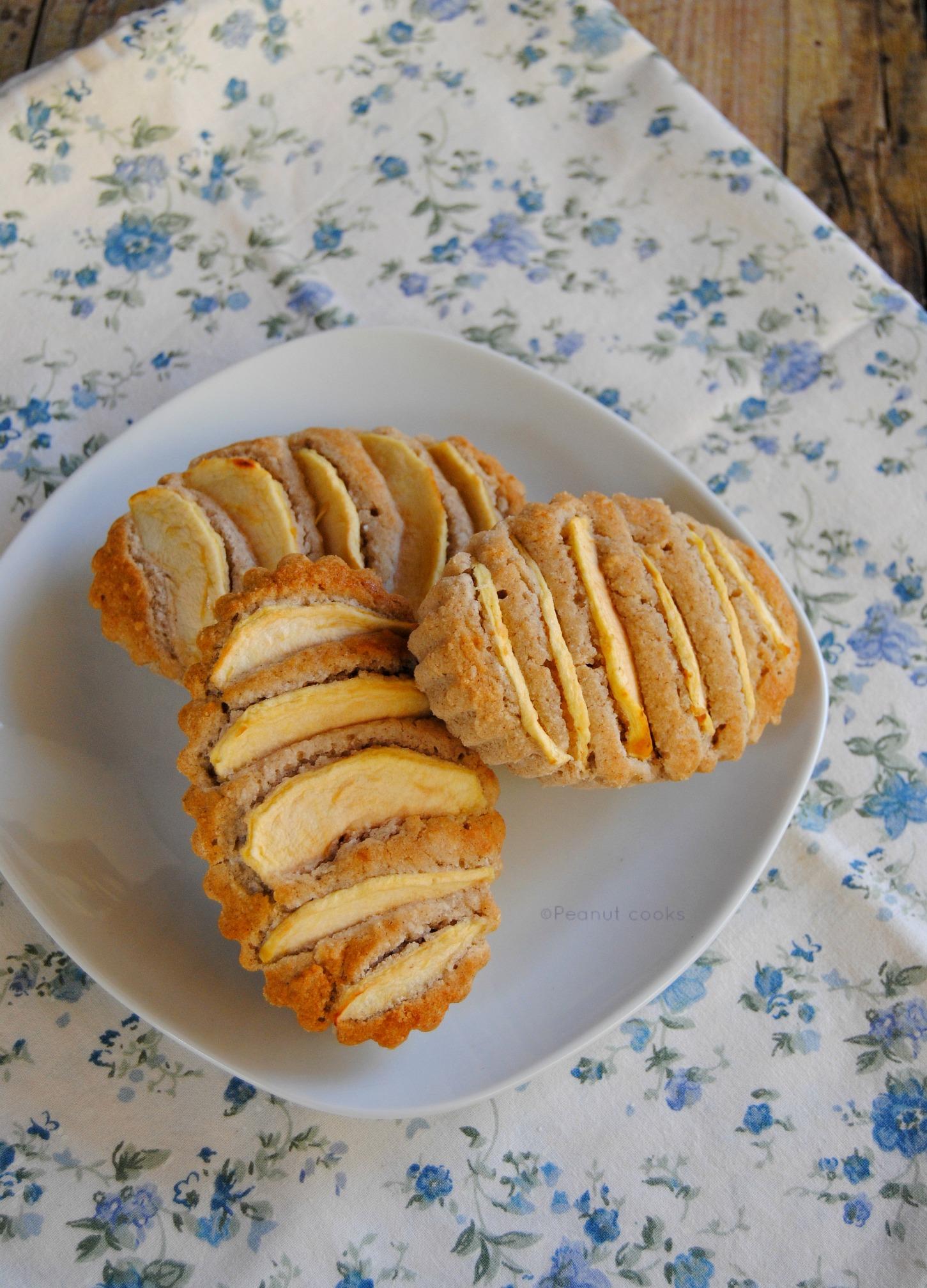 Apple. coconut and fava tonka oil free mini cakes