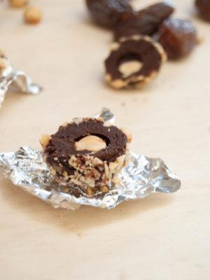 Ferrero rocher fatti in casa, senza zucchero vegan e raw