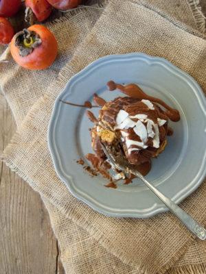 Mini pancakes ai cachi con farina di chufa e lenticchie rosse