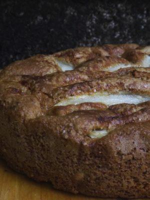 Così semplice che ti riempie il cuore: torta integrale di pere e noci