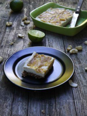 Fame di sole. E di cheesecake, ma crudista con cocco e lime.
