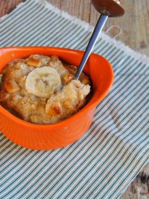 Oven baked peanut butter chunks & banana oatmeal: le colazioni della Nocciolina.