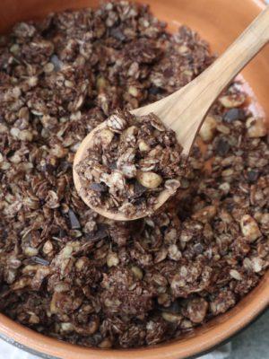 Granola al cioccolato e nocciole